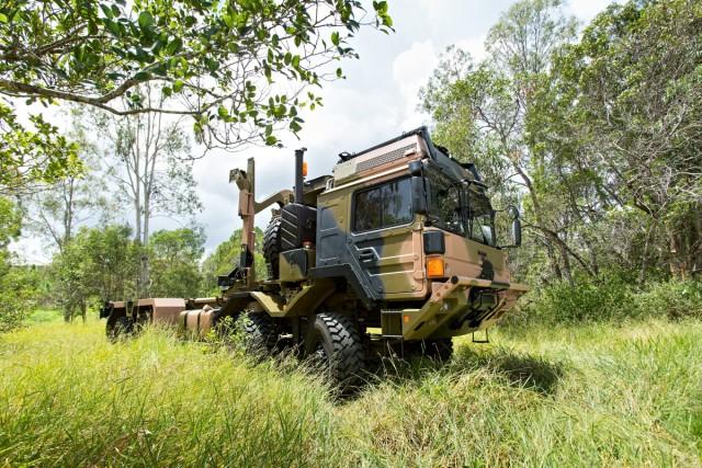Un camion HX77 de Rheinmetall dans le bush australien (Crédit photo: DWPhoto)