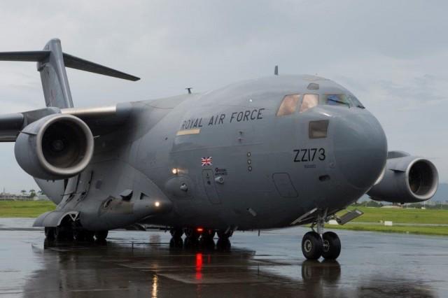 Un C17 de la Royal Air Force a transporté  de l'aide française vers la Guadeloupe (crédit photo: Ministère des Armés)
