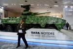 Le Kestrel de Tata Motors, véhicule blindé de transport de troupes, lors d'une exposition de défense à New Delhi.  (Anindito Mukherjee / Reuters)