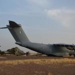 Avril 2016, transfert d'un Tigre dans un A400M - deux programmes en coopération – de Gao (Mali) à Pau