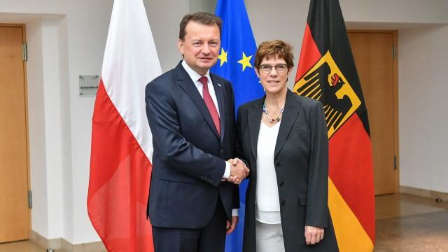 Les ministres de la Défense polonais et allemand vendredi dernier lors d'une entrevue à Berlin. Au menu: l'intégration de la Pologne au programme MGCS (Crédit: ministère de la Défense de Pologne)
