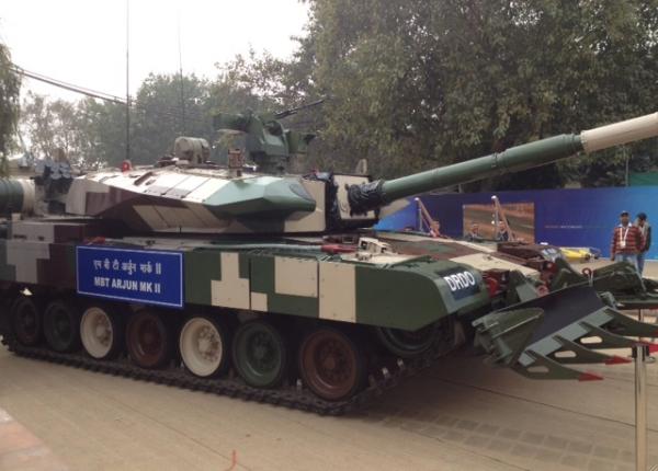 L'Arjun MK2 sur le stand de la DRDO à Defexpo (crédits: G. Belan)