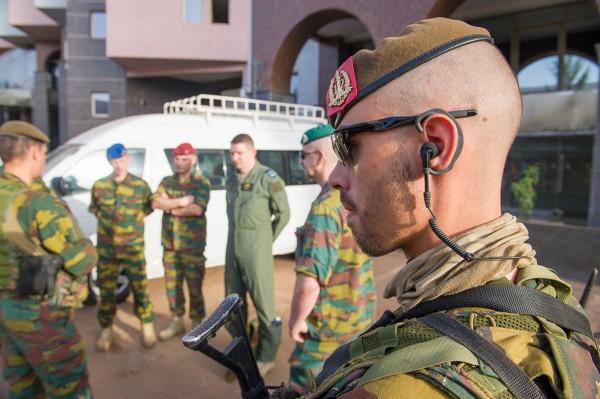 Les hommes du 12/13Li déployés au Mali dans le cadre de la mission EUTM (Crédit: la Défense - Sedeyn Ritchie)