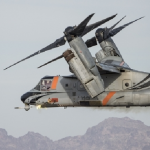 Le V-22 surpris en plein effort sur le champ de tir de Yuma. Photo Bell Boeing