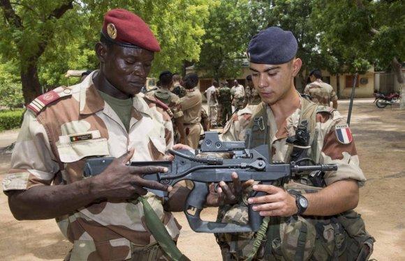 Le Groupement Terre forme des instructeurs de l'armée tchadienne (photo : ministère des Armées)