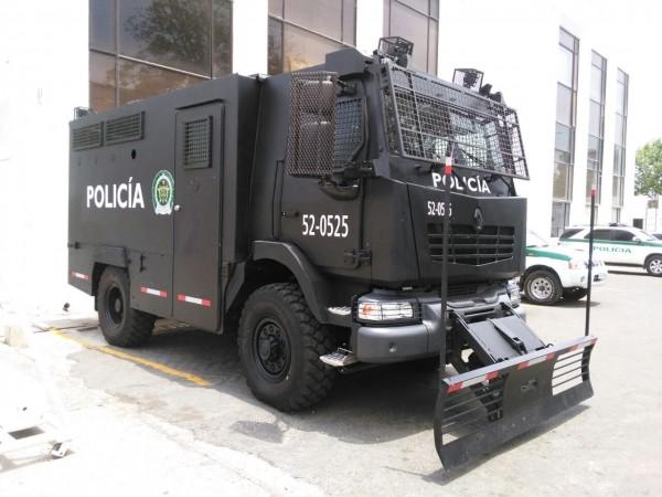 """RTD vient de livrer trois MIDS """"transport de troupes"""" aux forces de police colombiennes"""