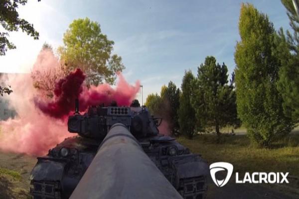 LYNX est conçu pour être aisément fixé sur un véhicule militaire et imiter un impact (Crédit photo: Lacroix)