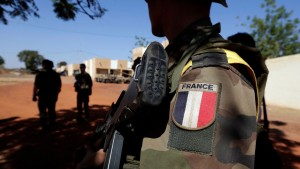 Pas de missions de combat pour les Français déployés en Libye selon JYLD (Crédit photo: Reuters/Eric Gaillard)