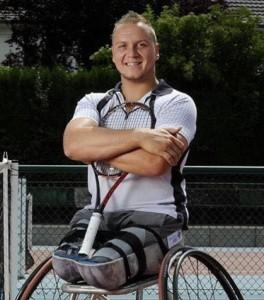 Nicolas Peifer, 25 ans, tennis fauteuil, simple et double. Champion du monde par équipe en 2016, 2014, 2013, 2012 et 2009. Vice-champion olympique en titre en double.