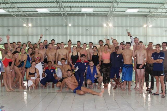 """Une partie de l'Armée de Champions après l'épreuve de la """"natation utilitaire""""(crédit photo: Christina Mackenzie)"""