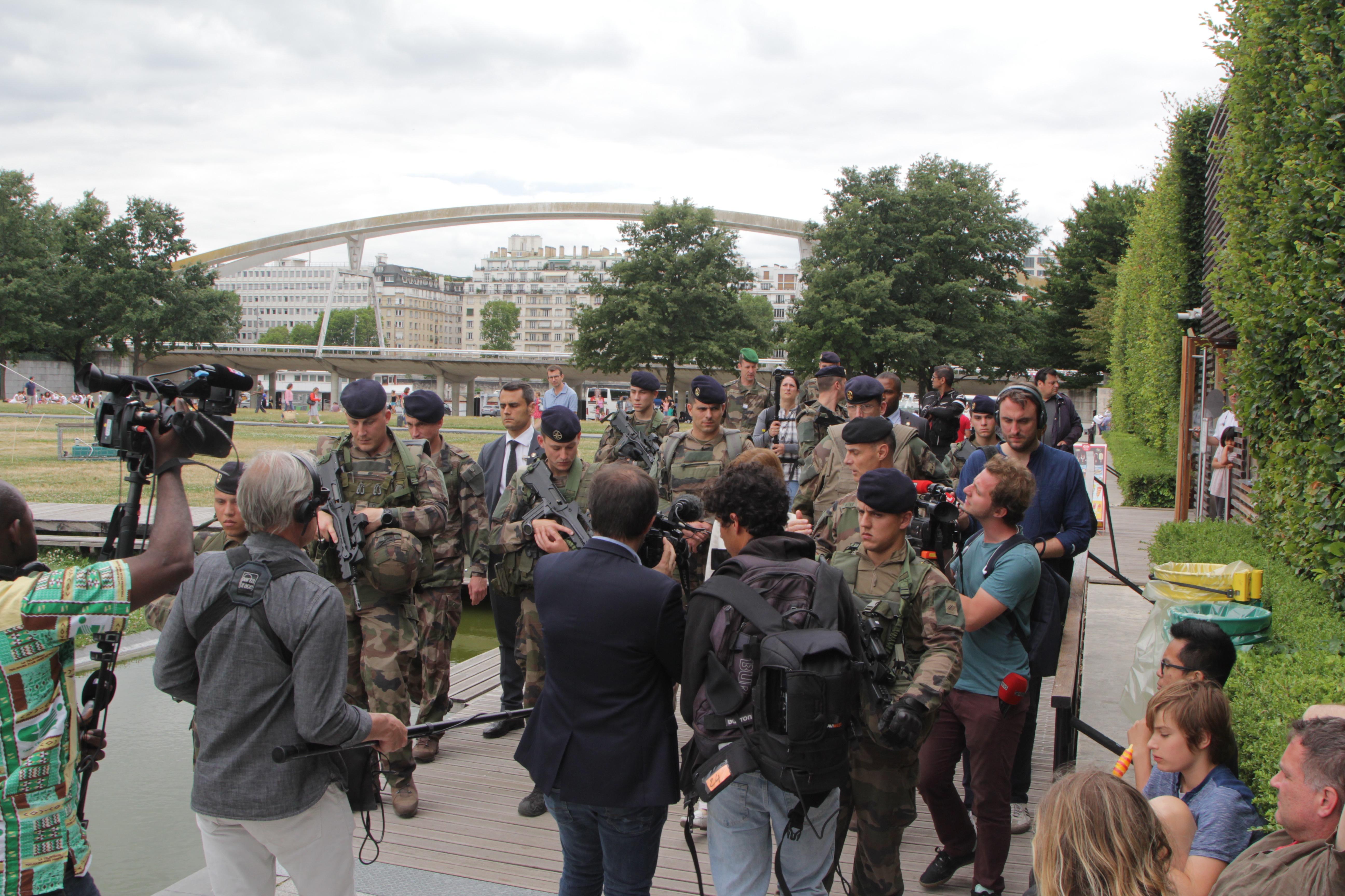 Quand la ministre des Armées expose ses soldats au danger — France