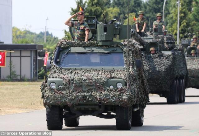 Pratique pour défiler, moins pour partir en OPEX, les Lynx belges doivent être rapidement remplacés