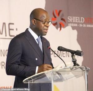 Le ministre de la Défense  de Côte d'Ivoire Alain-Richard Donawhi lors de la conférence préliminaire au salon ShieldAfrica 2017