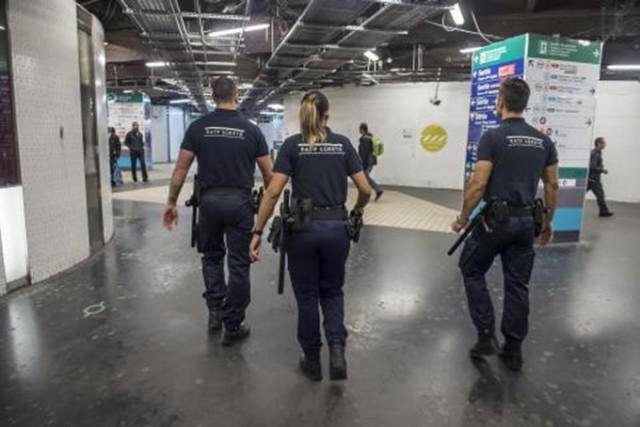 Une partie du personnel de sécurité en service à la RATP  va être doté du nouveau pistolet automatique en calibre 9mm (photo : RATP).
