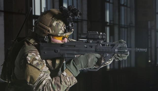 Le nouveau fusil d'assaut, le F90MBR, de Thales Australia, dévoilé au salon DSEi à Londres (crédit photo: Thales)