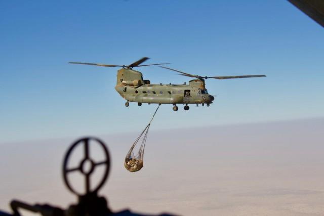 L'un des CH-47D déployés par le 1310 Flight de la RAF au Mali (Crédit: RAF)