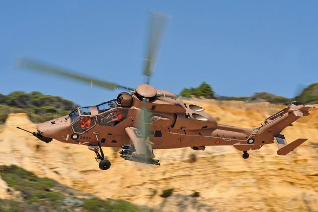 Hélicoptère Tigre des Forces aéromobiles de l'Armée de terre espagnole en camouflage sable (crédits photos : Eurocopter)