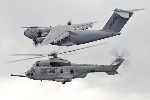 Bientôt une solution au problème de ravitaillement en vol des hélicoptères d'un A400M? (Crédit photo: Airbus Helicopters)