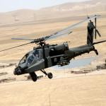 Un Apache de l'US Army au-dessus de l'Irak en 2006