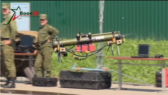 Le lance-roquette sur drone quadricopter, le système D à la Biélorusse (Crédits : Voyen TV / Youtube)