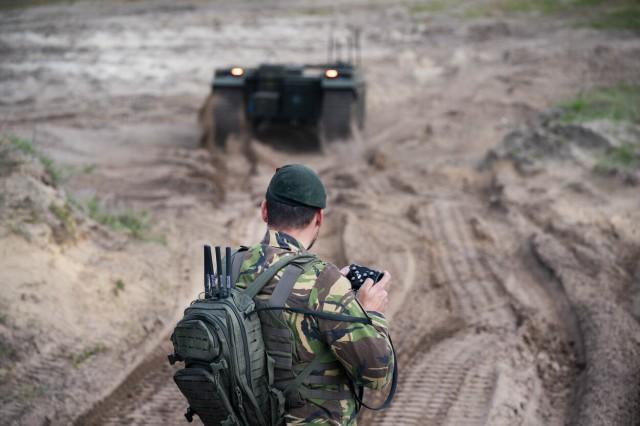 Le drone THeMIS de Milrem en démonstration sur le terrain d'Oirschot (Crédit photo: Hans Roggen/Ministère de la défense des Pays-Bas)