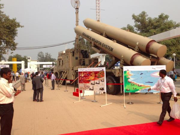 Le missile nationale Brahmos à Defexpo (crédits: G Belan)