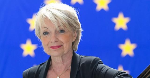 Françoise Grossetête,  présidente du groupe de travail du PPE sur l'économie et l'environnement,  à l'origine de la résolution législative (Crédits : EPP Group - Martin Lahousse)