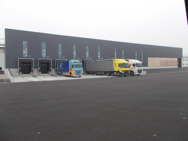 Les nouveaux quais de chargement de la plateforme logistique Scorpion (Crédit photo: Arquus)