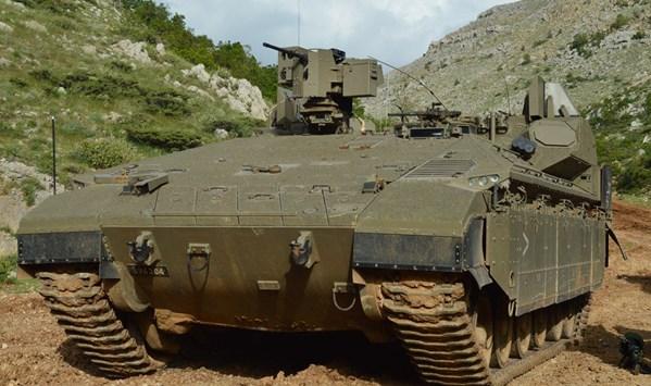 Un(e) Nemera dernier cri qui transportera les hommes du génie, hautement protégés, jusqu'aux endroits difficiles, derrière les lignes ennemies (Crédits : Israel Defence Forces)
