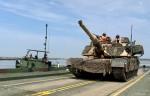 Un char M1 Abrams américain traverse le Danube lors de l'exercice Saber Guardian 19 (Crédit : Capt. Erica Mitchell/126th PAO)