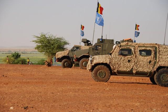 Des Lynx et Dingo II du bataillon ISTAR de la Composante Terre déployé au Mali dans le cadre de la MINUSMA (Crédit: Bn ISTAR)
