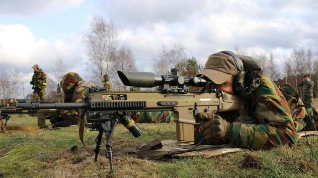 Le SCAR-H PR, fusil de précision proposé par FN Herstal pour le programme FPSA (Crédit: 2e Cdo)