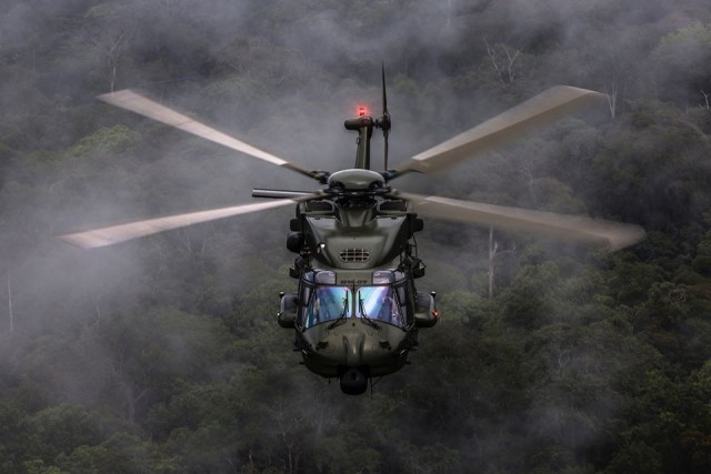 L'un des quatre NH90 TTH de la Composante Air (Crédits: BAF/Bart Rosselle)