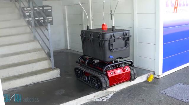 Le robot de décontamination Rhyno Protect développé par Shark Robotics (Crédit : Shark Robotics)