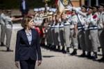 La ministre des Armées Florence Parly en visite au 2e REG de Saint-Christol (Crédit: Twitter/Florence Parly)