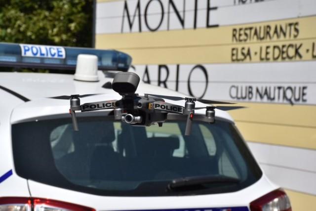 Un micro-drone DJI utilisé par la Police nationale (Crédit : Police nationale/Twitter)