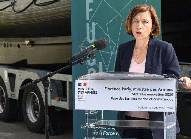 La ministre des Armées Florence Parly présentait hier à Lorient la stratégie innovation du ministère (Crédits : ministère des Armées/Twitter)