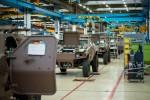 La ligne de production de VBL Ultima d'Arquus, à Marolles-en-Hurepoix. A noter que ces véhicules adoptent maintenant le camouflage Scorpion brun terre de France (Crédit : Arquus)