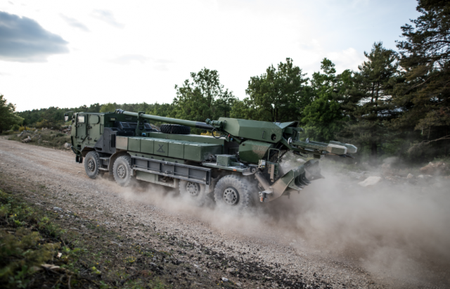 Le CAESAR 8x8, l'une des clefs de voûte du concept d'artillerie augmentée (Crédits : Nexter)