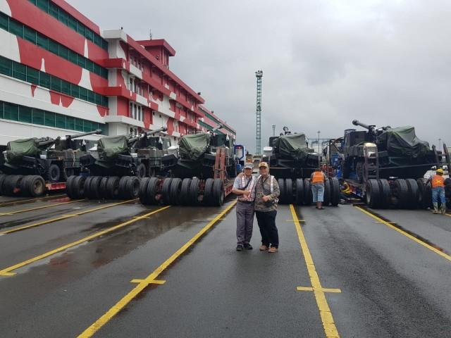 Cinq des douze CAESAR 6x6 livrés le 31 janvier à l'Indonésie (Crédit photo : IMF)