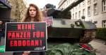 """""""Aucun tank pour Erdogan !"""" est l'une des campagnes organisées par les associations anti-militaristes allemandes pour mettre à mal les exportations d'armement (Source : Bewegt Politik compact !)"""