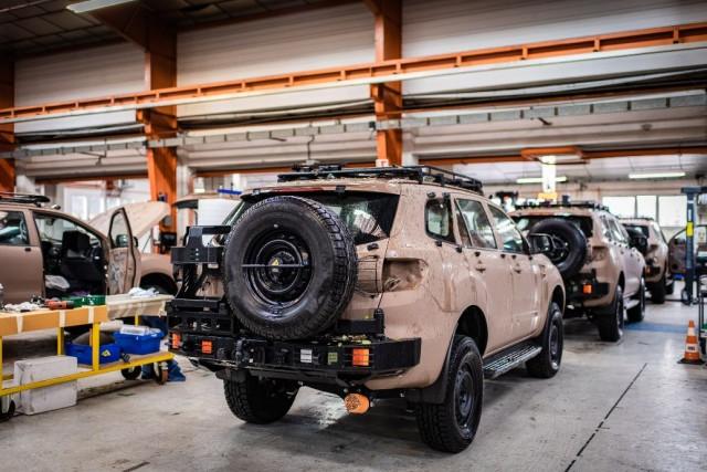 Malgré la crise sanitaire, Arquus a su relancer la production de véhicules VT4 à Saint-Nazaire (Crédit : Arquus)