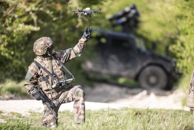 Le micro-drone NX70 Block 2 de Novadem, adopté en 2018 par l'armée de Terre (Crédit : Novadem)